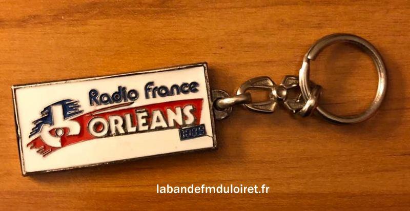 porte-clef Radio France Orléans des années 80