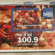 noel 2010, la radio s'affiche sur l'Orléanais