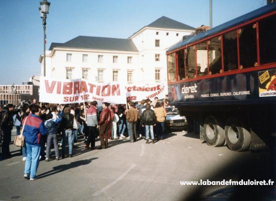 La manifestation de février 1985.Le camion-studio