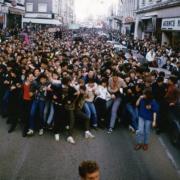 La manifestation de février 1985. le début du cortége à pieds.