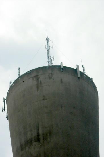 Site Towercast St Denis en Val, rue du chateau d'eau (l'antenne)